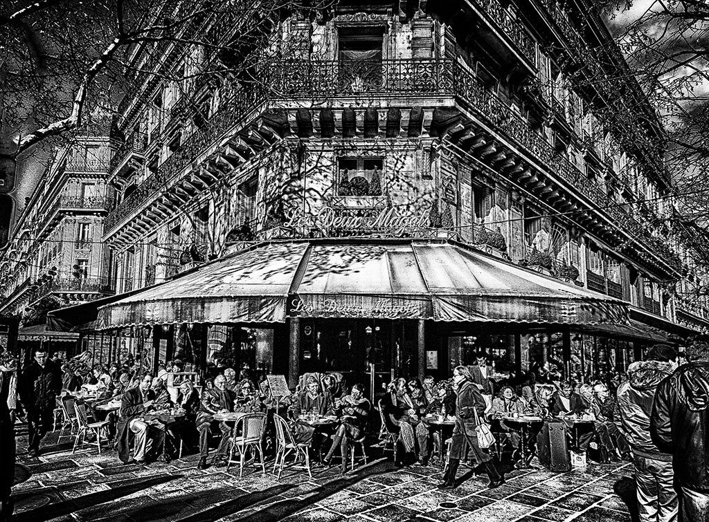 Line drawing by Jack Torcello of Les Deux Margots where Hemingway use to write